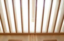 新たに設けた天窓と天井ルーバー