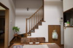 ダイニングスペースと階段室