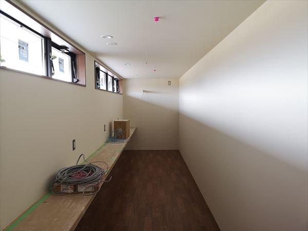 2階スタッフ休憩コーナー内装工事の室内状況
