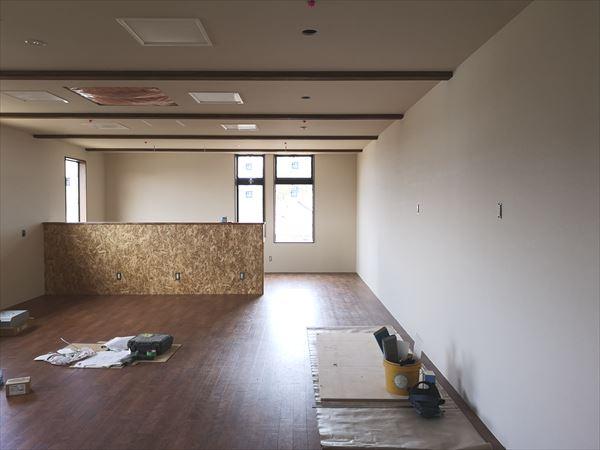 2階ワークスペースの内装仕上がりの様子