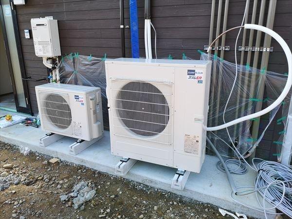 2機の空調室外機設置工事完了